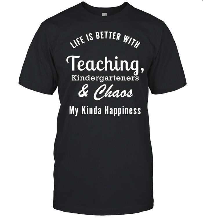 Teaching Kindergarteners and Chaos Kindergarten Teacher shirt Classic Men's T-shirt