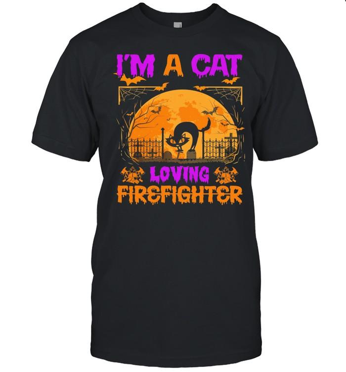 Im a Cat loving firefighter Halloween shirt Classic Men's T-shirt