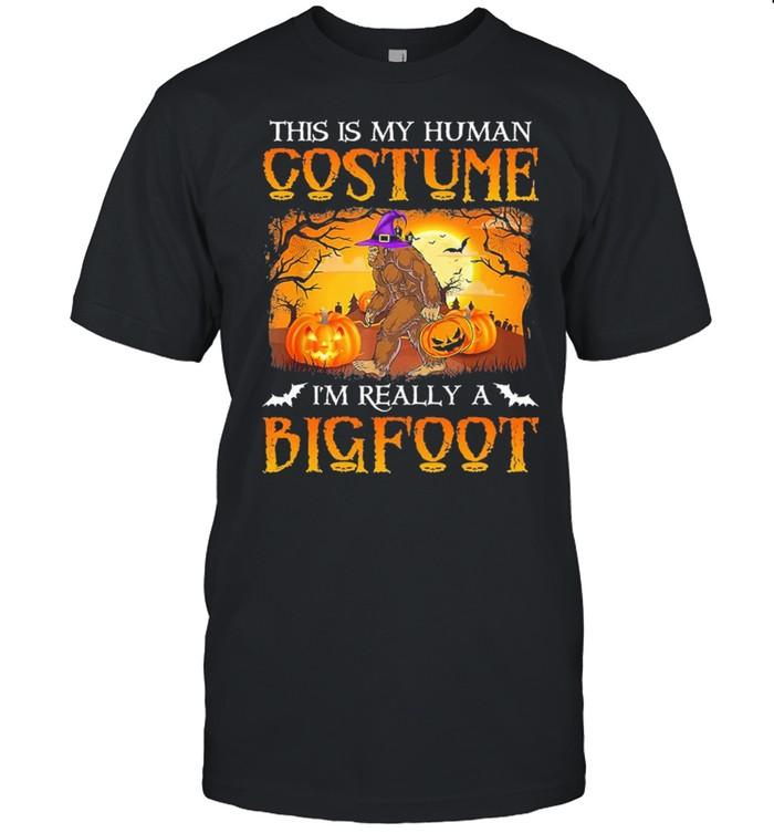 This is my human costume im really Bigfoot Halloween shirt Classic Men's T-shirt